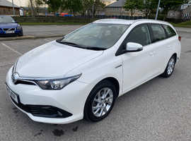 Toyota Auris, 2016 (16) White Estate, Cvt , 109,000 miles WITH BRC LPG KIT £2500