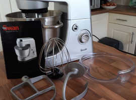SWAN Professional Stand Mixer