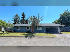Beautifully updated home on quiet cul-de-sac.