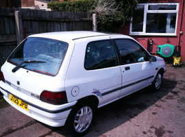Renault CLIO RT, 1992 (J) White Hatchback, Manual Petrol, 112,300 miles