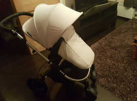 All in 1 pushchair and carry cot system with car seat
