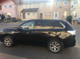 Mitsubishi Outlander, 2015 (64) Black Estate, Semi auto , 111,987 miles