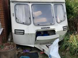 Caravan - unloved and unhappy - seeks new home.  Make me an acceptable offer and take me away!)