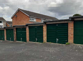 Garage to rent in Southam  1st month rent free 24.7 access parking or storage Available NOW