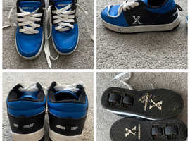 Unisex skate shoes (heelys) size 3