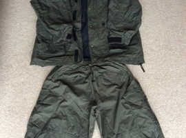 Sundrige 2 piece all weather waterproof suit size m