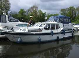 Wanted GRP Boat with Diesel engine up to 32ft. min 4 berth. with sea toilet.