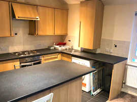 PERFECT CENTRAL LOCATION 2 BEDROOM FLAT
