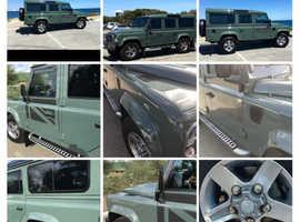 Land Rover DEFENDER 110, 2015 (15) Green Estate, Manual Diesel, 16,000 miles