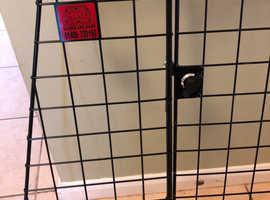 Rear tail gate guard