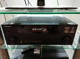 Pioneer VSX-520, 5.1 Channel, 130 Watt Receiver with original box and manuals.