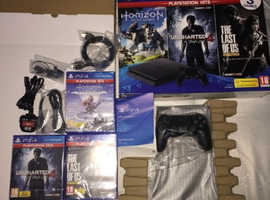 BRAND NEW PS4 3 GAME BUNDLE CAN DELIVER IF REQUIRED