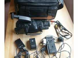Vintage Sony Handycam CCD - F150 E Pal 8 Video 8 Cameras / Videos / Home Movies