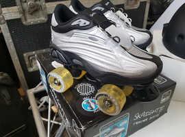 Skaight trainer skates (uk 3 euro 35 ) plus skaight helmet size 54-58 cm