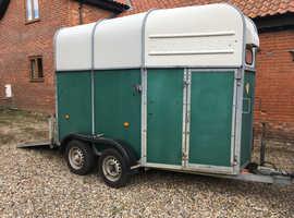 Richardson Supreme Rosette.  Fabulous lightweight trailer ready to use.