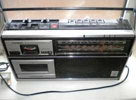 vintage Grundig C4200 radio /tape recorder