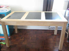 KITCHEN TABLE FOR SALE GOOD CONDITION