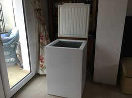 Electrolux chest freezer 105l storage