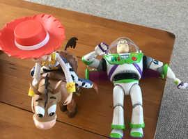 Buzz lightyear, Jessie and Bullseye