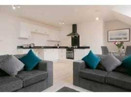 Fantastic penthouse suite in Stockport centre grade II listed building
