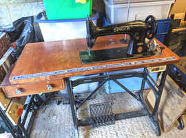 Heavy Duty Industrial Sewing machine with Table