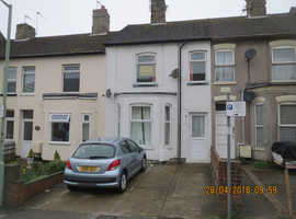 LARGE TWO DOUBLE BEDROOM FIRST FLOOR FLAT WITH PRIVATE PARKING SPACE.