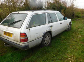 Mercedes 250, 1993 (K) white estate, Manual Diesel, 381286 miles