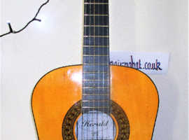 HERALD Classical Acoustic 3 / 4 size.  Model  HB-34.  Excellent Condition and Presented with New Strings