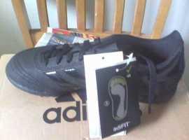 sale retailer 944bf 06ab6 boys Adidas football boots b n w t boxed size 2