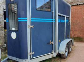 Vans Vautras Promax 2 horse trailer