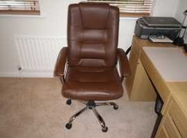 Brown Westminster Hi Back leather-faced executive office swivel chair in excellent condition.