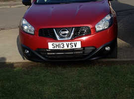 Nissan Qashqai, 2013 (13) Red Hatchback, Manual Diesel, 97,000 miles