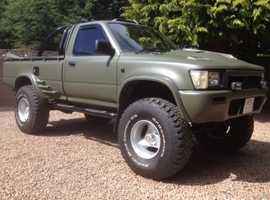 Hilux / Vw Taro. Monster truck. 4x4 pickup.