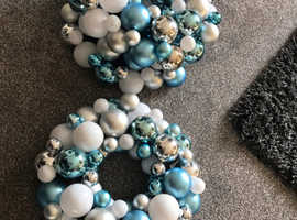 Wreath x3 new with tags