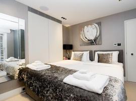 Luxury 3 bedrooms flat for rent