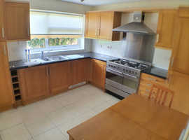 3 Bedroom House - St. Ives. Bright Lounge, Large Kitchen, Garden, Private Parking