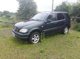 Mercedes M-CLASS, 2000 (W) green estate, Manual Diesel, 137442 miles