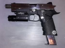 RESiDENT evil p-virus pistol with new extended chrome mag