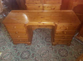 Solid Pine ducal Kneehole Desk/Dressing Table with stool