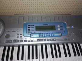 Superb 76-KEY CASIO WK3000 Keyboard with Midi connectivity