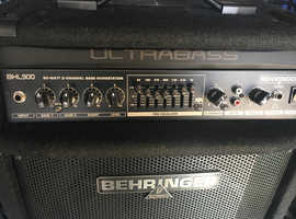Behringer BXL900 Bass Combo (90 watt Bass Amp) Great Sound. Excellent Condition.