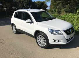 Volkswagen Tiguan, 2010 (10) White Estate, Manual, Diesel, 79,500 miles