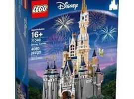 GIANT LEGO DISNEY CASTLE 70140 BNIB.