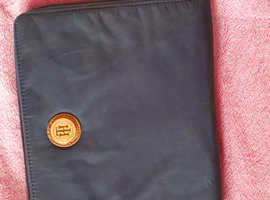Ipad 2 tablet 16gb...free helly hansen case...used