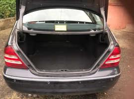 Mercedes C CLASS, 2006 (06) Black Saloon, Manual Diesel, 265,000 miles