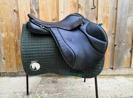 "Ideal Gazelle 18"" M saddle"