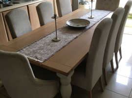 Next Shaftesbury Extending Dining Table & 8 Chairs