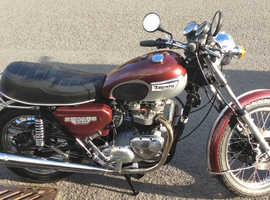 Vintage Triumph Bonneville T140