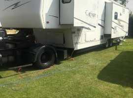 American 5th wheel caravan