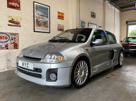 RENAULT CLIO 3.0 V6 RENAULTSPORT PHASE ONE - SILVER, VERY RARE CAR